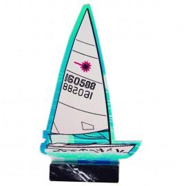 Trofeo de vela fabricado en metacrilato e impreso a color