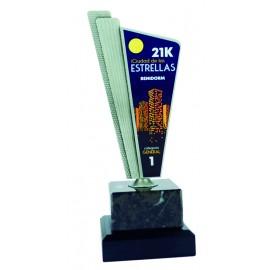 Trofeo zamack impreso a todo color con peana de mármol